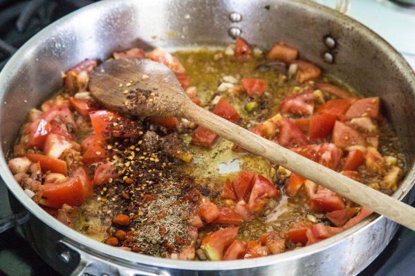 anchovies-tomato-pasta-600x400